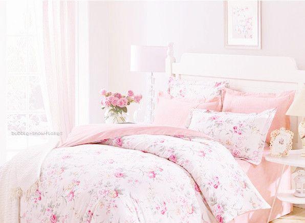 bubble-snowflakes:  Vintage bedding set