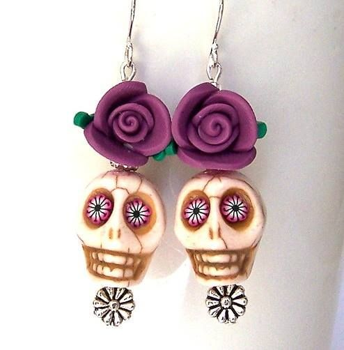 #beads #halloween Are you thinking about Halloween inspired jewelry yet? Skull beads: http://www.happymangobeads.com/search.aspx?find=skull Rose Beads: http://www.happymangobeads.com/search.aspx?find=rose Day of the Dead: http://www.happymangobeads.com/pewter_picture_frame_pendant…