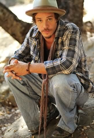Michael Raymond James - one of the sexiest men on earth, just look at thos lips :*
