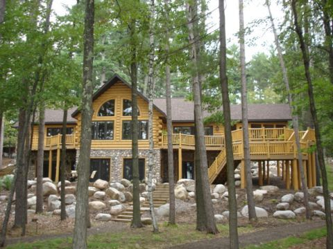 26 best images about log home cabin exteriors on pinterest for Log cabin floor plans with walkout basement