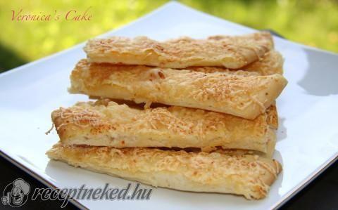 Fokhagymás sajtos vendégváró rudak  http://receptneked.hu/sos-sutemenyek/fokhagymas-sajtos-vendegvaro-rudak/