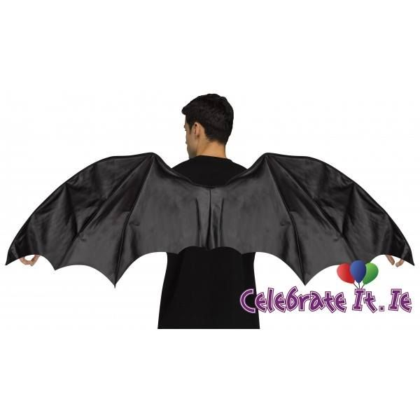 Large black wings are the perfect set of wings to complete any Dragon, Bat, Demon or Fallen Angel costume. #blackwings #dragon #bat #demon #fallenangelcostume Batman Demon Hunter Fallen Angels