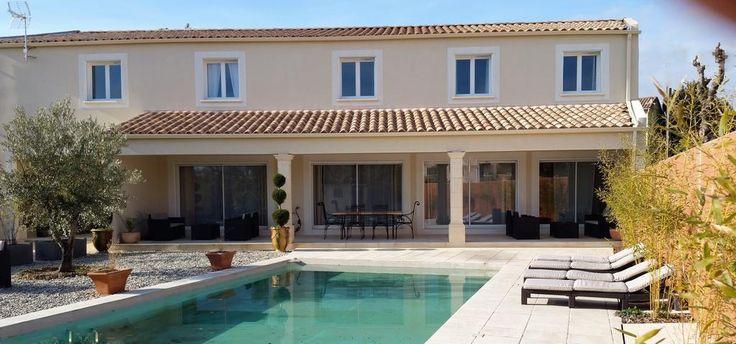 """""""Le clos d'Uzès"""" €115 Dotée d'une piscine extérieure, la chambre d'hôtes Le clos d'Uzès propose des hébergements offrant une vue sur la piscine à Uzès, à 32 km d'Avignon."""