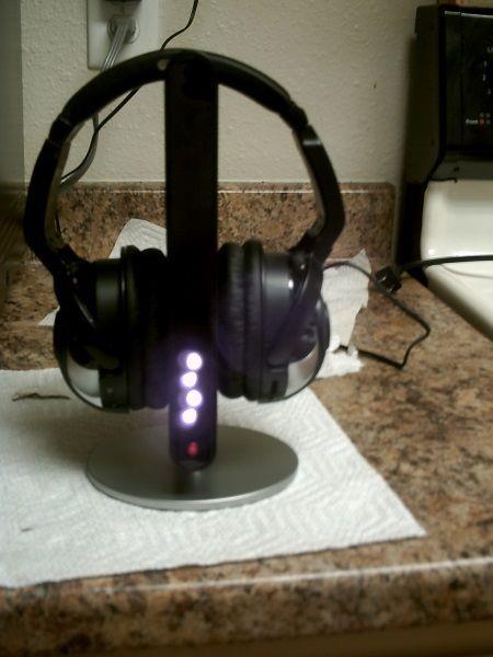 Radio Shack Wireless Infrared Headphones CAT  #RadioShack