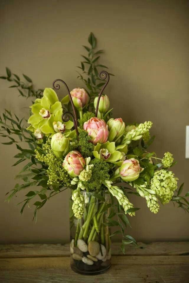♡ GREEN GLORIOUS GREEN, with a touch of pink and burgundy contrast!