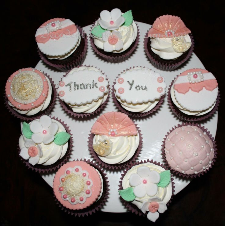 <3 Made By Decadent Cakes & Cupcakes <3