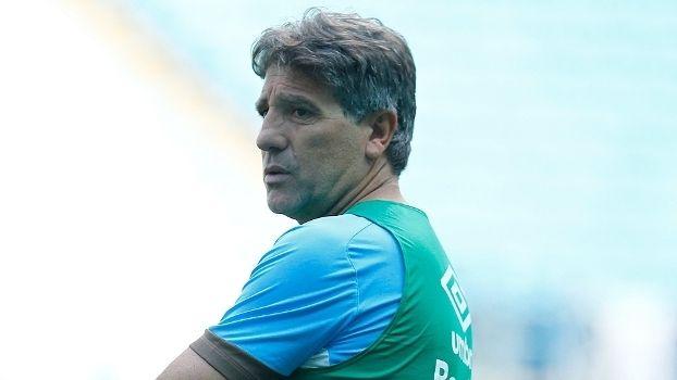 Renato esboça Grêmio para Primeira Liga e Taffarel assiste ao treino