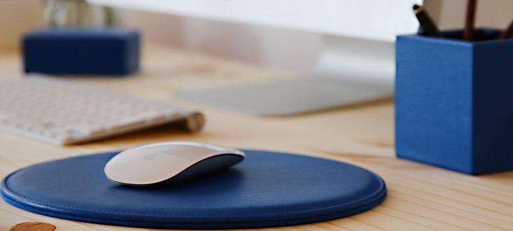 Avec sa forme ronde, ce tapis de souris en cuir offre plus de confort à l'utilisateur de la souris. Disponible avec divers options de personnalisations.