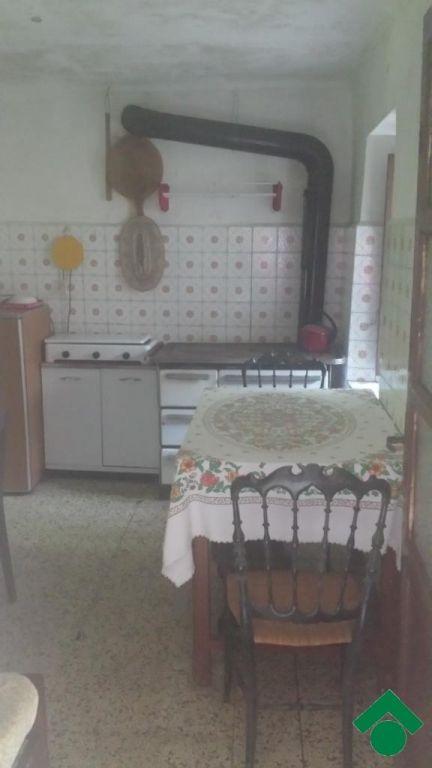rustici / cascine / case in vendita a Corio, Corio (Torino):  locali, Mq 150.00 ca., € 13.000 euro Contatta l'agenzia di riferimento...