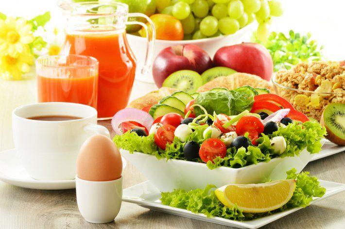 Türkiye'de İsveç'ten konuşulunca insanların aklına İsveç diyeti geliyor. İsveç Diyetini uygulayan herkes iki haftada 7 ile 20 kilo arasında verebildiğini belirtti. Dahası diyetin en