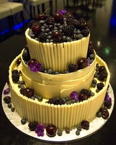 fruit wedding cake  http://www.perfect-wedding-day.com/fruit-wedding-cakes.html