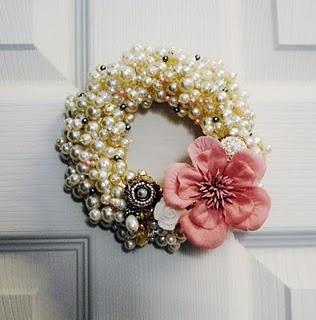 bling wreathWreaths Tutorials, Holiday Wreaths, Closets Doors, Rag Wreaths, Front Doors, Bedrooms Doors, Bling Wreaths, Pearls Wreaths, Floral Wreaths