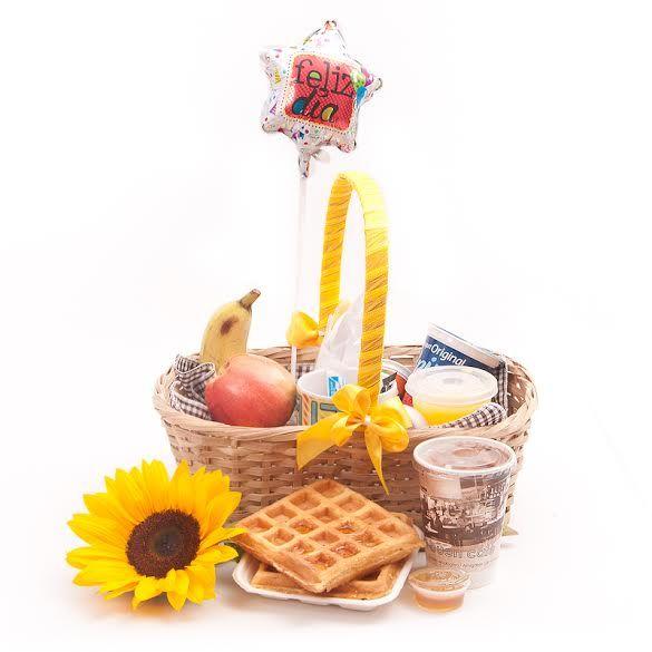 $30 Desayunos Sorpresa Waffel. El mejor regalo para comenzar el día! #desayunossorpresa #regalosoriginales #regalosorpresa #cestasderegalo #canastaregalo