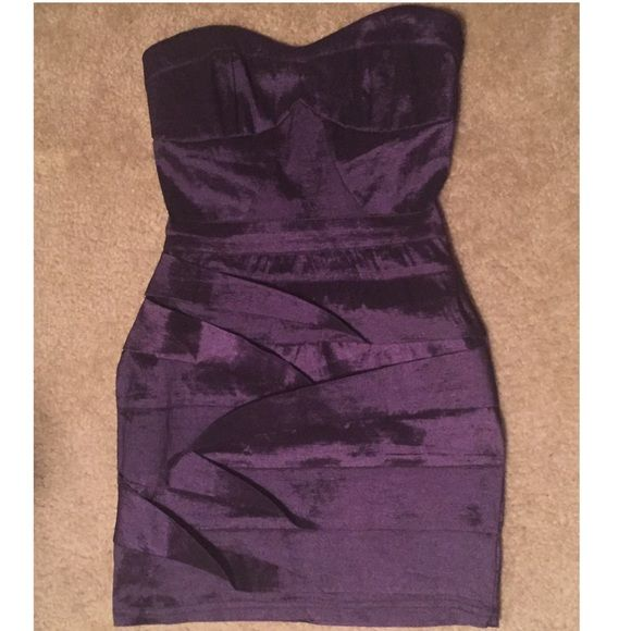 Super cute dark purple  Dark purple dress, short, strapless, zip in back, great condition... Worn once!  TRADES OR PP Dresses Strapless