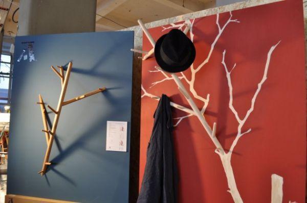 branch-coat-hanger