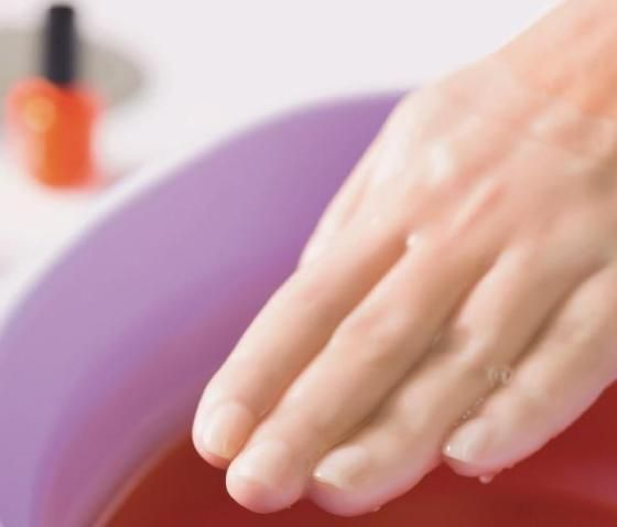 Give Your Dry Winter Hands a Moisture Boost With A Parrafin Wax Treatment
