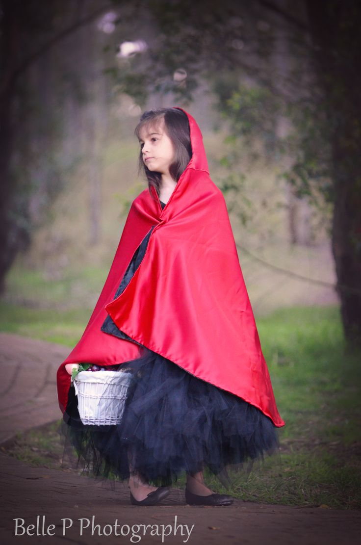 {Little Red Riding Hood}  Image by Belle P Photography