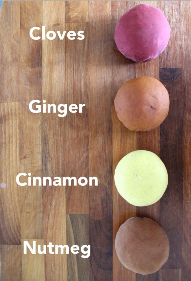 Fall scented playdough. This easy no cook playdough smells good enough to eat! The perfect autumn/fall activity to get you in the mood for the season.