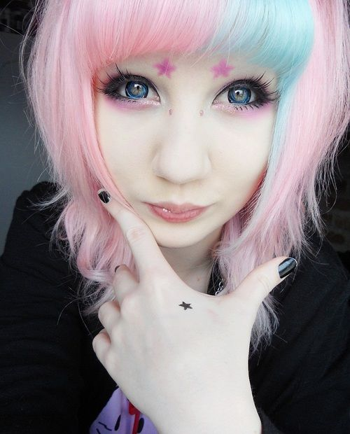 Best 25 blue and pink hair ideas on pinterest fantasy for Pastel goth tattoos