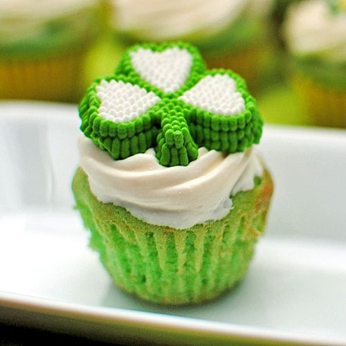105 best images about St. Patrick's Day - Cupcakes on ...