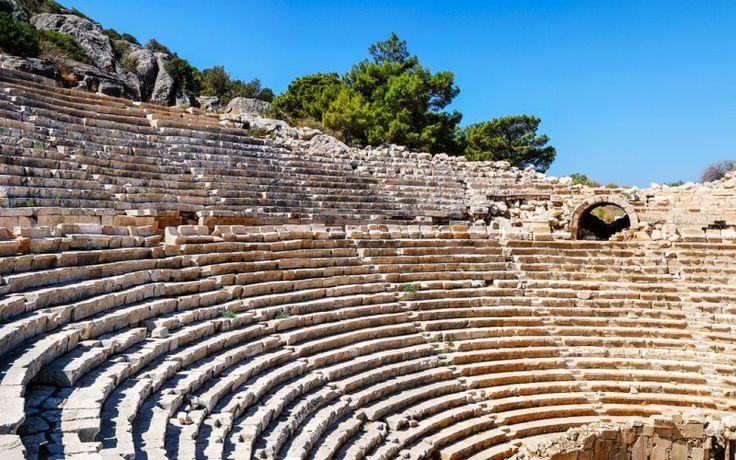 Römisches #Amphitheater von #Patara in der südlichen #Türkei © shutterstock