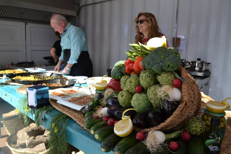 Paella stall at Rin Ran Market, El Palmar, Murcia