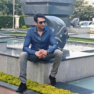 Nandish Sandhu (Actor) Profile with Bio, Photos and Videos - Onenov.in