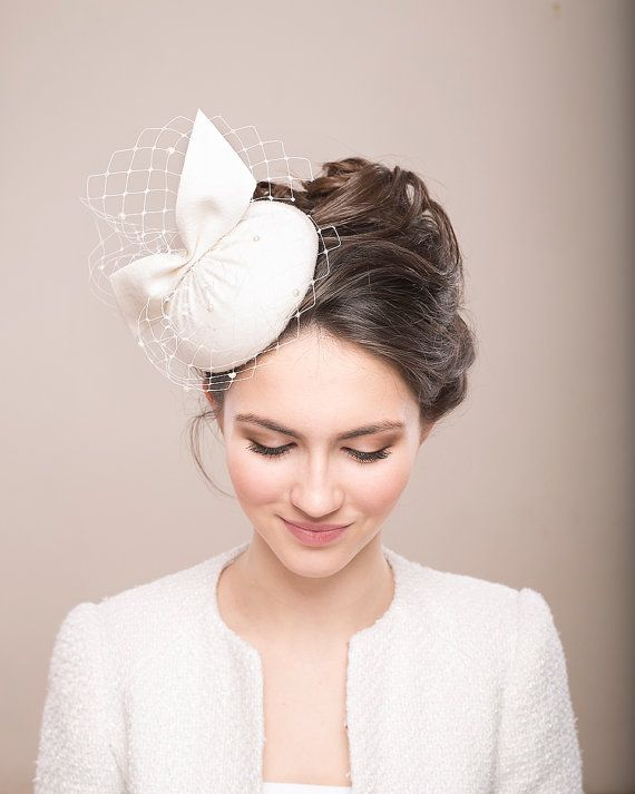 Bridal Wool Pillbox with Veil, Bridal Hat with Birdcage, Ivory teardrop Pillbox, Vintage inspired Pillbox