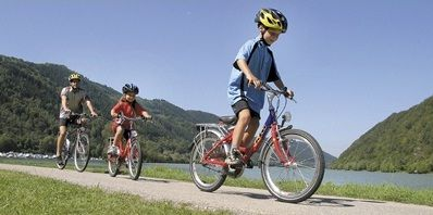 5 Great Family Adventure Holidays in Europe / Danube family bike and boat holiday with UTracks