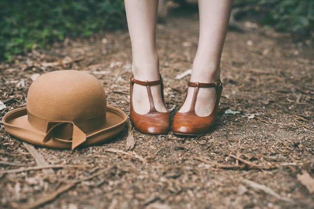 ♕ pretty autumn hat and shoes ~ Finch & Fawn
