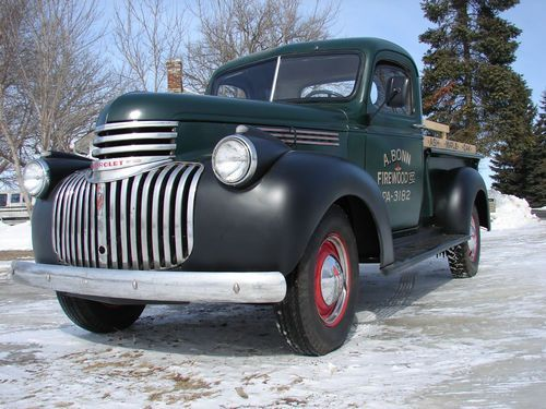 1946 Chevy, Grandpa Gomez had one of these, hauled a lot of the stuff to build the cabin up the hill (slowly) in it. The firewall and floorboard got very hot, would actually make your feet hot on a summer day.....