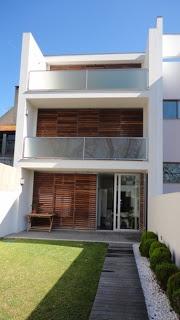 Moradia unifamiliar, Aveiro.  Projeto da autoria da arquiteta Paula Tinoco, Aveiro.  Gaape - Arquitectura, Planeamento e Engenharia: Arquitetura (Habitações)