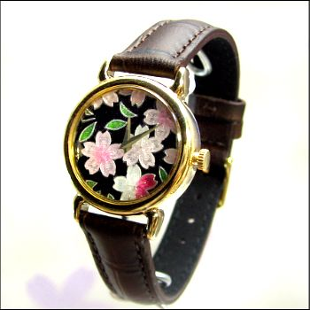 文字盤が七宝の時計! 懐中時計とかはよく見るけどこんなのは初めて! Dial watch of cloisonne