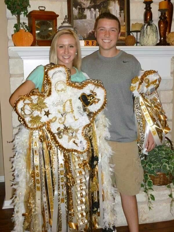 """""""Homecoming Mums Texas Style!  Everything is bigger in Texas.  Wow!!""""  Whoa, they were big in the 90s, but this? Holy moly!"""
