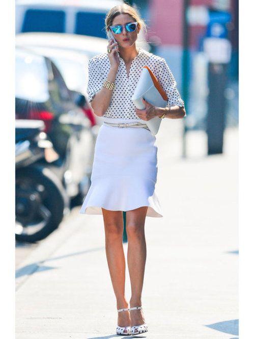 ポルカドットのトップスとシューズ!ホワイトのマーメイドスカートで旬の春コーデに。ドットシャツの着こなしの参考になりますね♪