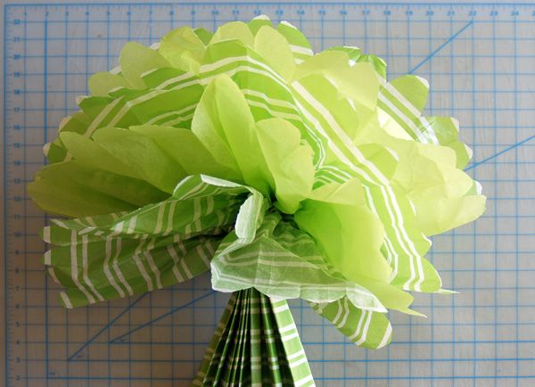 DIY paper pom poms - great for baby shower or birthday decoration!