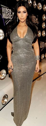 Who made Kim Kardashian's silver gown that she wore to the MTV Music Video Awards in Los Angeles on August 28, 2011?
