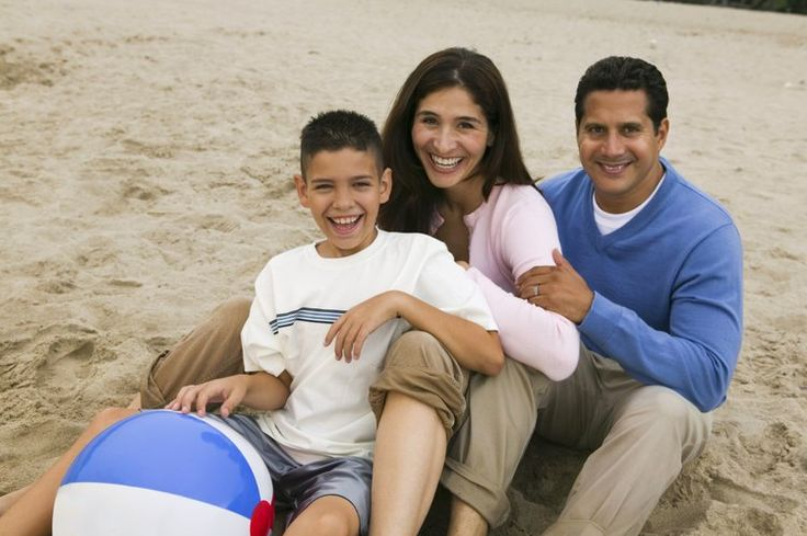 5 juegos con pelota de playa para hablar español con los niños