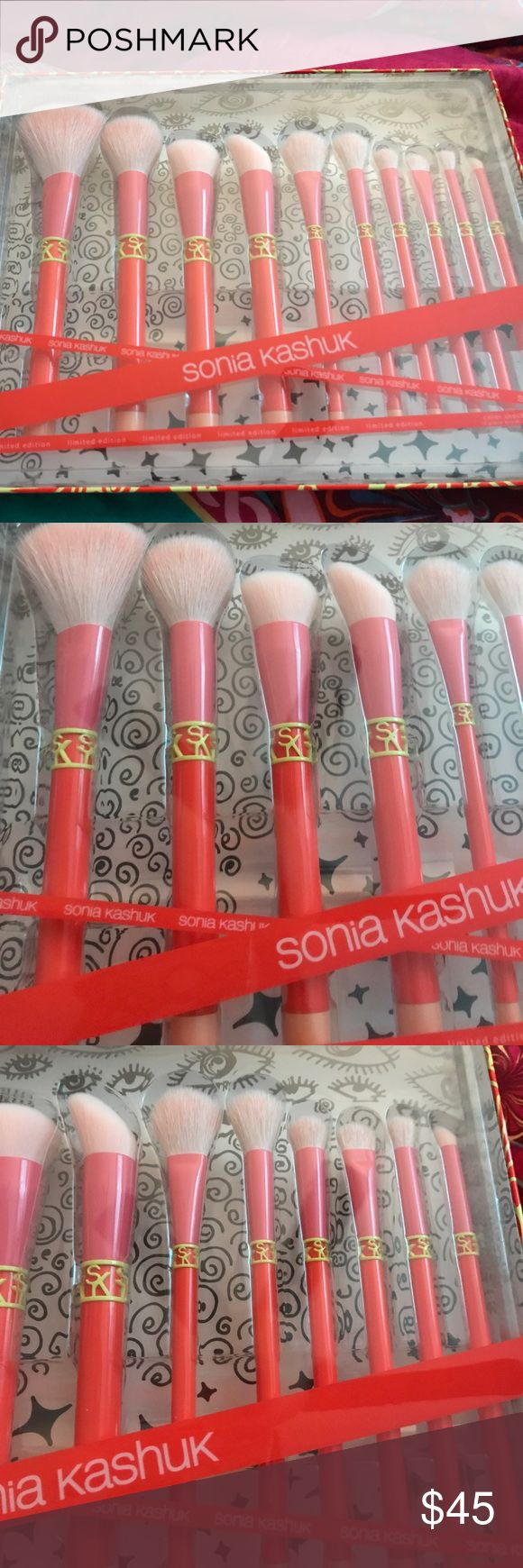 🔥 MAKE AN OFFER 🔥 Sonia Kashuk 10 pc brush set! limited edition set! nwt! never opened! 3 available! gorgeous colors! Sonia Kashuk Makeup Brushes & Tools