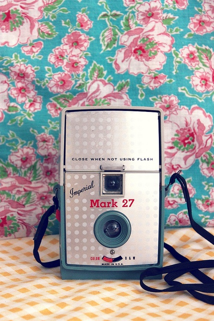Beautiful #vintage cameraImperial Mark27