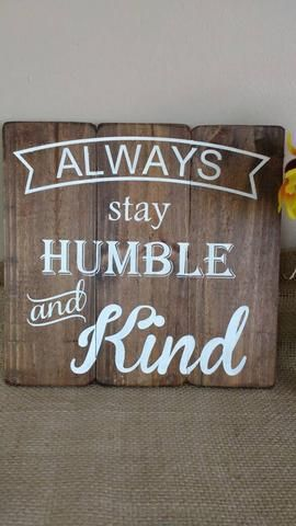 I love the message in this country music song so I created a rustic wood sign to capture the sentiment! This inspirational quote on a 12x12 wood sign makes a great gift! Colors of this farmhouse sign