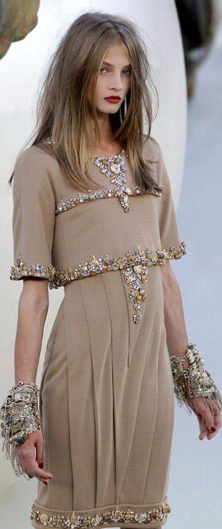 mademoisellearielle:    Chanel, Fall 2010