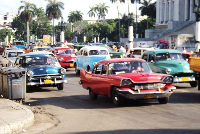 Ever wonder Why a gal would Paint Vintage American cars from Cuba?  Well ...  .. they're gorgeous, they're colourful, they shine … they're in Cuba, there are palm trees, nice hotels, stunning architecture, amazing musicians, warm people … Click on the picture to read and see the rest of the story.