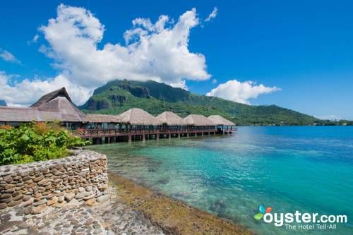 Hotel Kaveka Moorea Located on a private beach, Hotel Kaveka offers traditional bungalows with cable TV and ceiling fans. Guests can try water sports including snorkelling and canoeing. Wi-Fi is available in public areas.