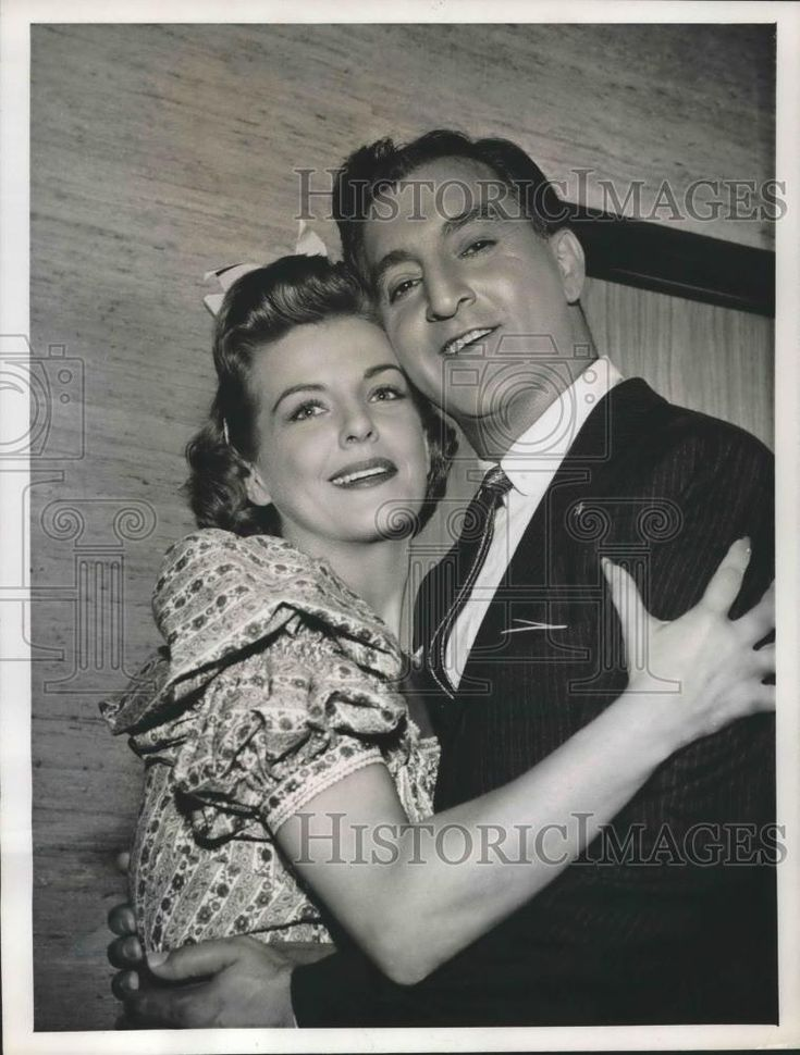 1957 Press Photo Actors Danny Thomas and Marjorie lord in The Danny Thomas Show