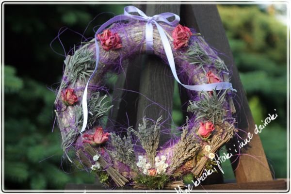 rosy wreath, natural