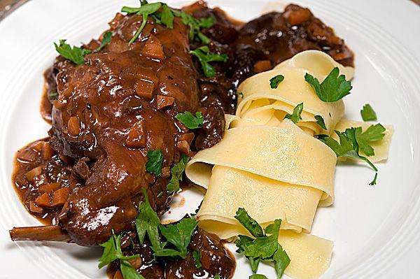 Lapin aux pruneaux et vin rouge - Kaninchen mit Pflaumen und Rotwein