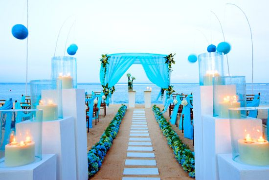 Hawaii exotic beach wedding  This theme with : - sunset sky  - in Hawaii  - people take off shoes