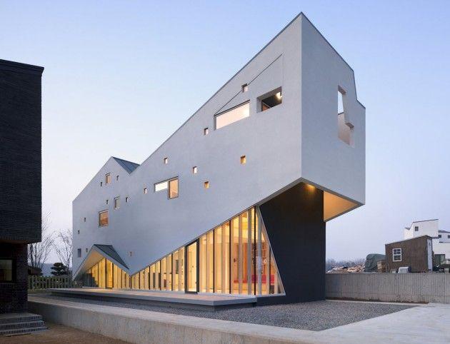 MOON HOON Architects have designed the Visang House in Gyeonggi-do, Korea.