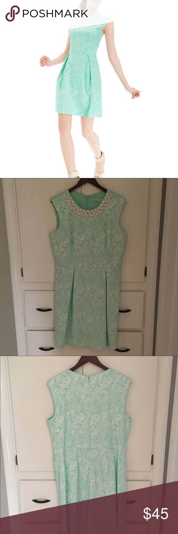 Sandra Darren Mint Floral Jacquard Dress Size 16 Sandra Darren Women's Mint Floral Jacquard Embellished Dress Size 16 (True to Size!) Beautiful Fit & Flare. Originally purchased from Macy's last year for $90, asking $45 OBO! 💋👗 Dresses Midi